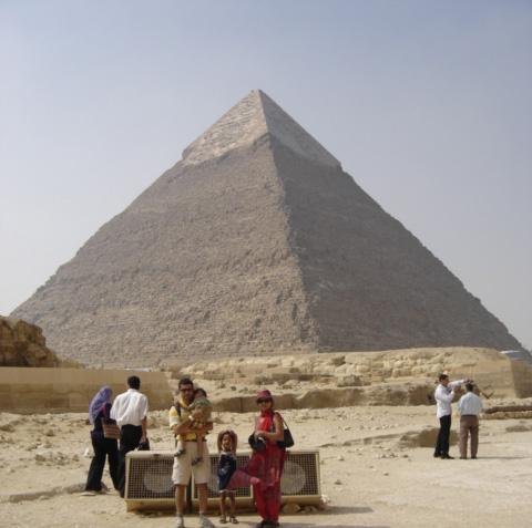 Pyramid_Of_Kephren_02