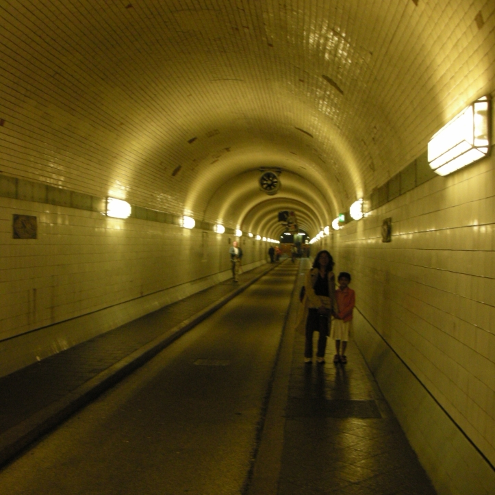 elbe tunnel 3